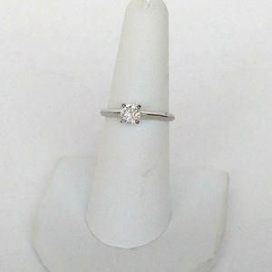 Ladies Solitaire Ring